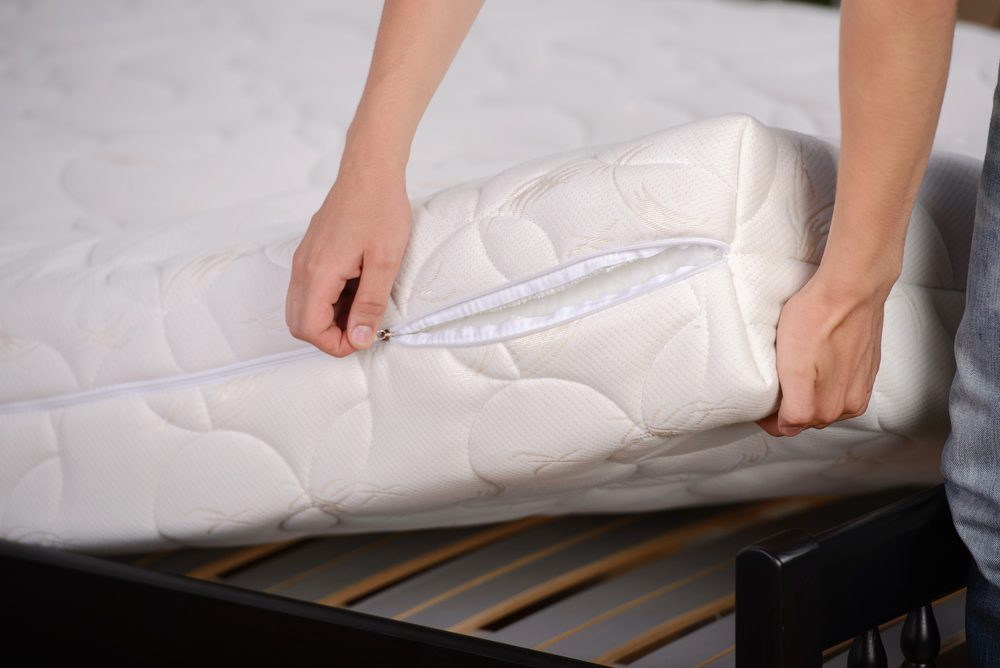zipping mattress cover