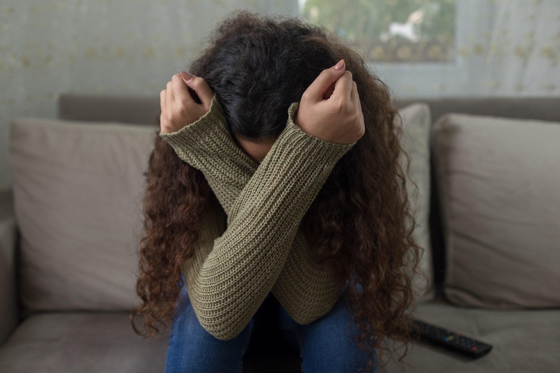 girl having a panic attack