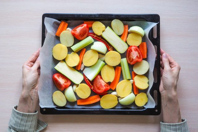Cut vegetables before baking in the oven.