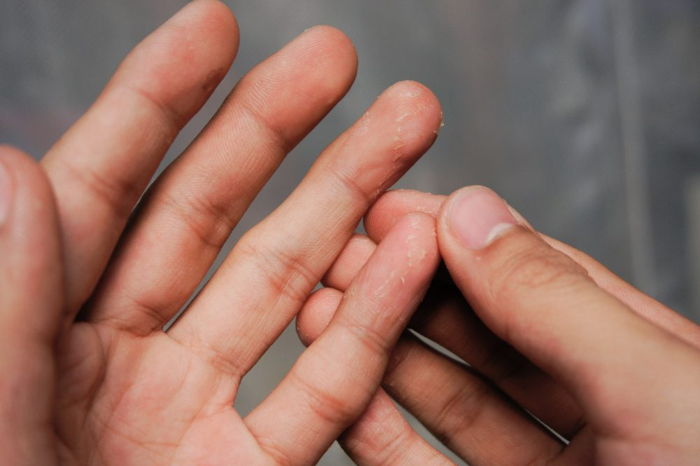 holding fingers