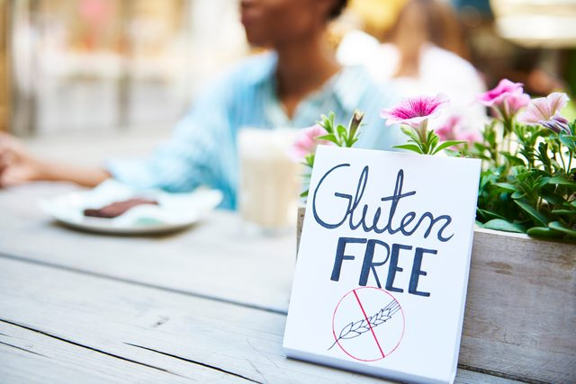 gluten free sign at cafe