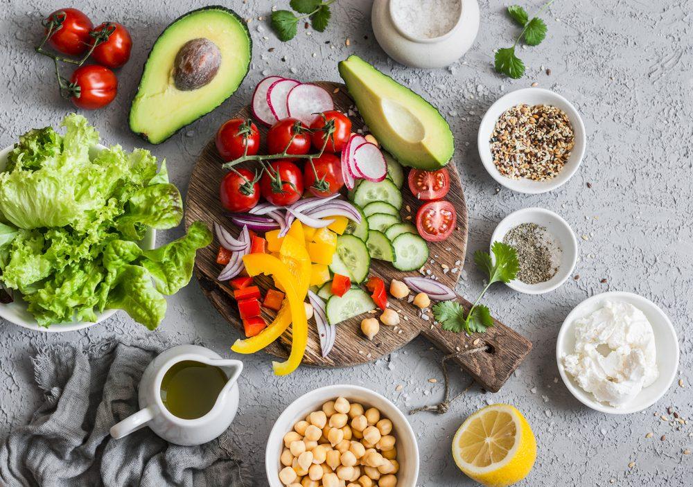 avocados, tomatoes, chickpeas, lettuce, lemons, peppers