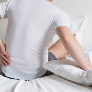 8 Signs Your Back Pain Is Actually an Emergency