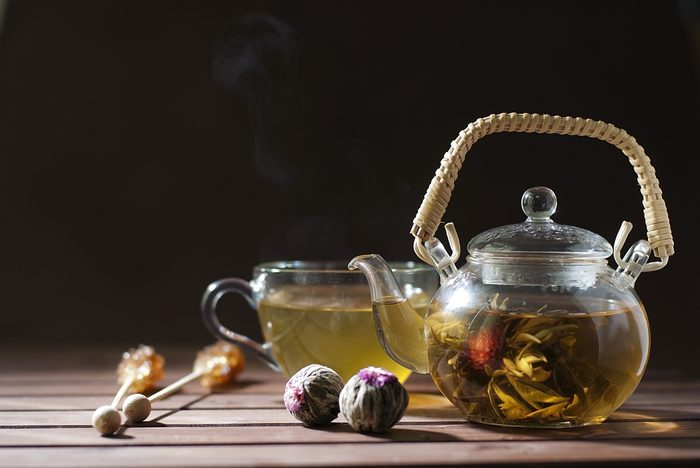 Loose leaf teas drop down like a flower when brewing