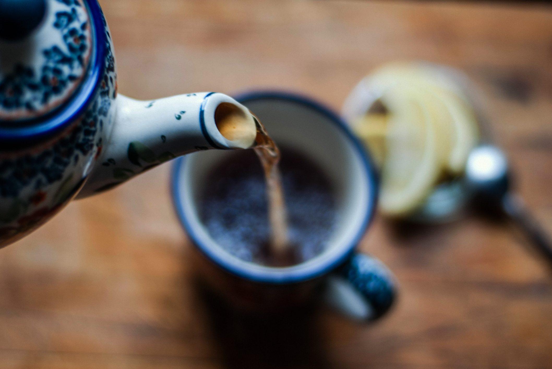 Thổ nhỹ kỳ: Mời thêm trà