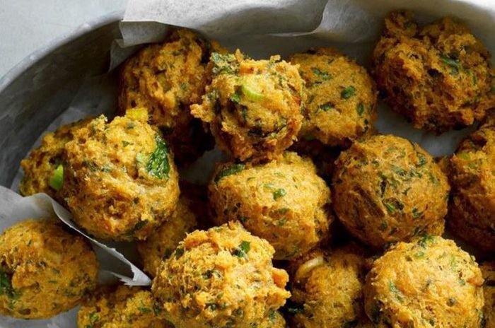 Chickpea-Fritters-with-Sweet-Spicy-Sauce