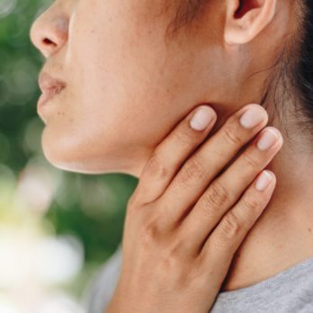 Hyperthyroidism vs. Hypothyroidism: What's the Difference?