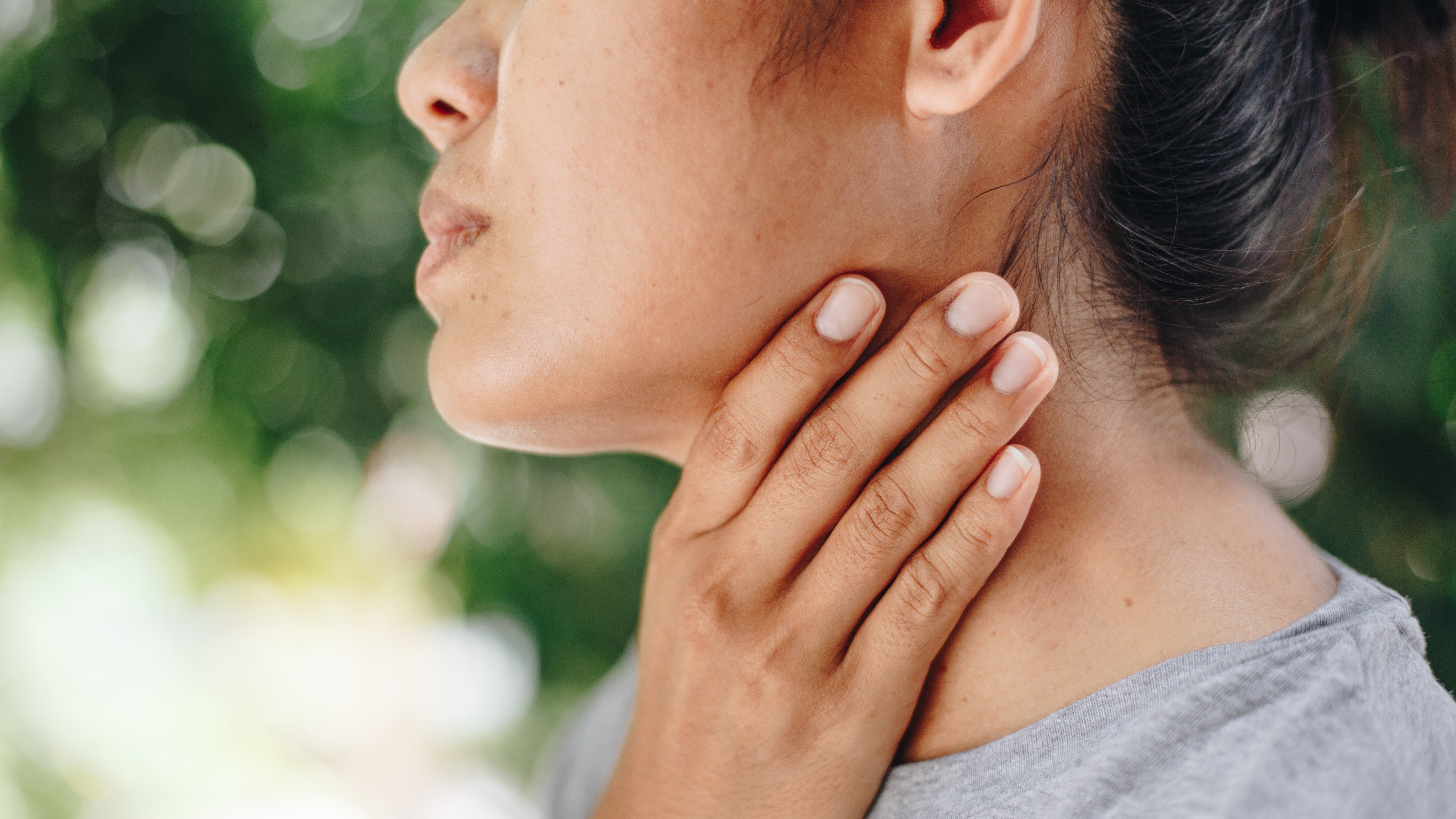 swollen lymph nodes in groin female and rash