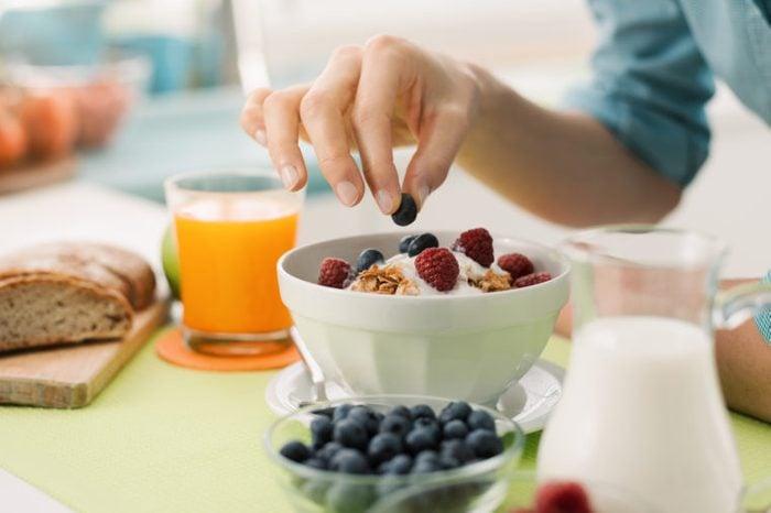 woman making a healthy breakfast