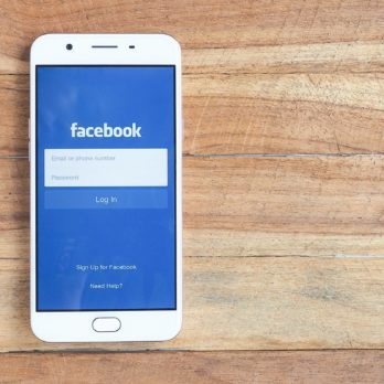 9 Signs You Spend Way Too Much Time on Facebook