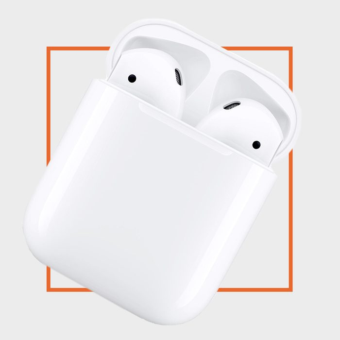 Apple-AirPods-with-Charging-Case