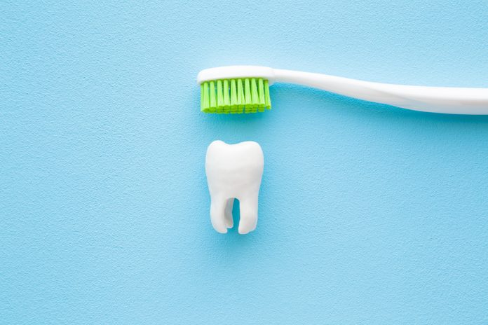 toothbrushing mistakes how to brush your teeth correctly