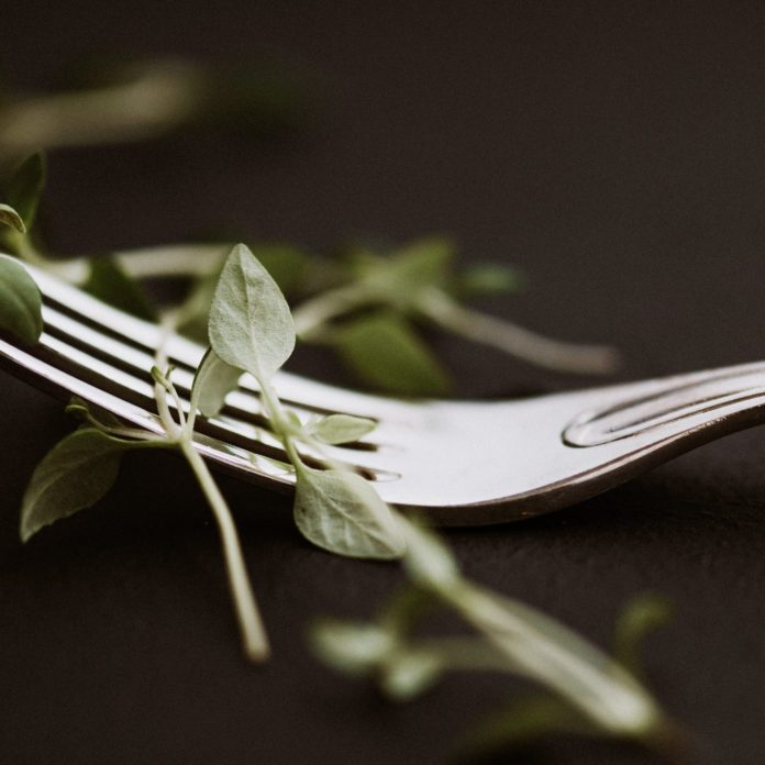 Clean Eating and Eating Disorders: What Therapists Need You to Know