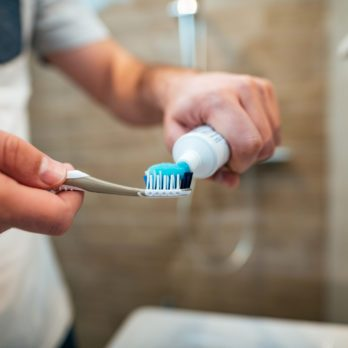 12 Common Teeth-Cleaning Mistakes That Make Dentists Cringe