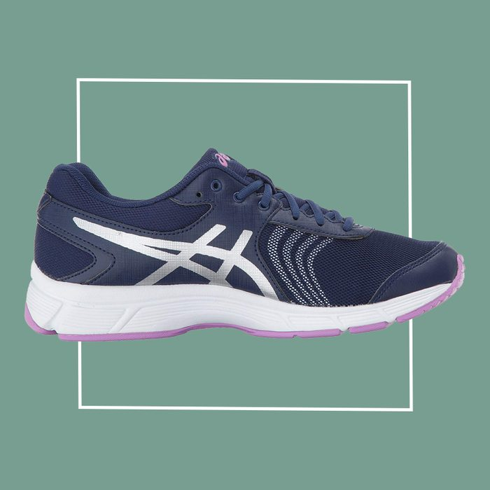 asics walking shoe