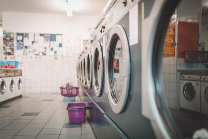 laundromat washing mashines
