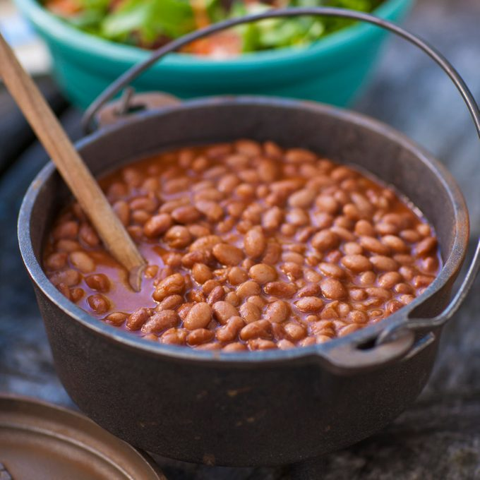 baked beans in pot