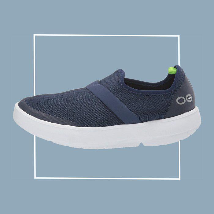oofos oomg slip on sneaker