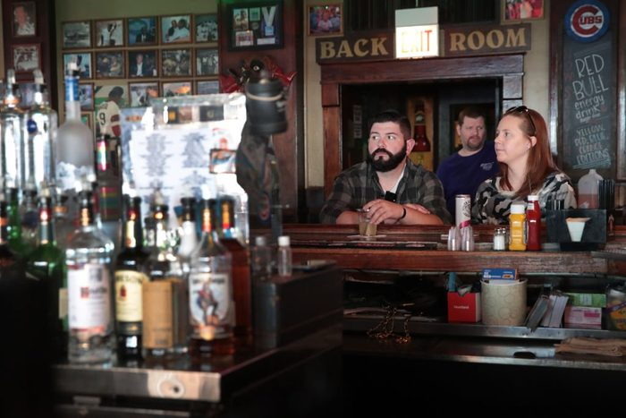 Ohio And Illinois Order All Bars And Restaurants To Close