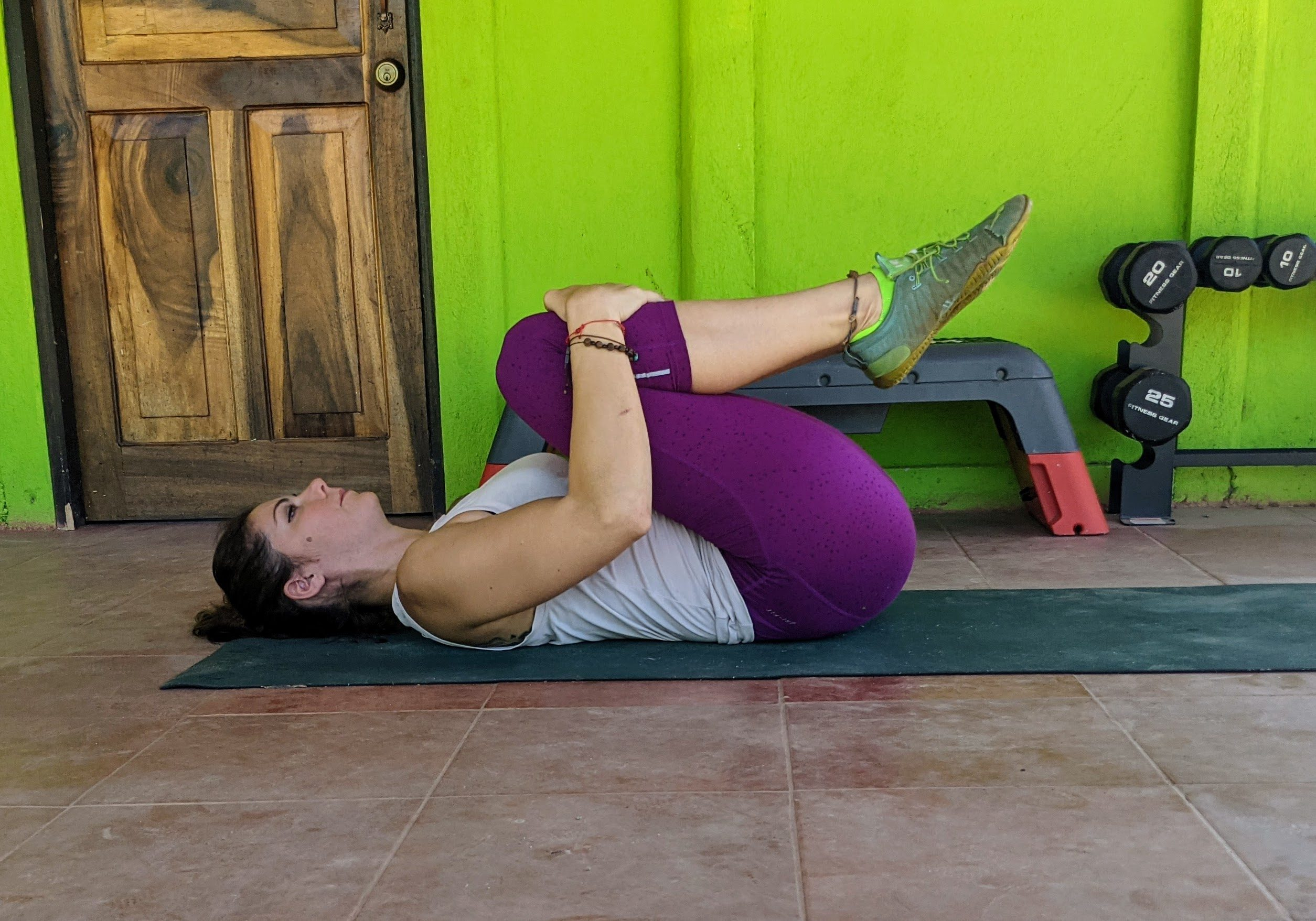 knees to chest stretch for lower back