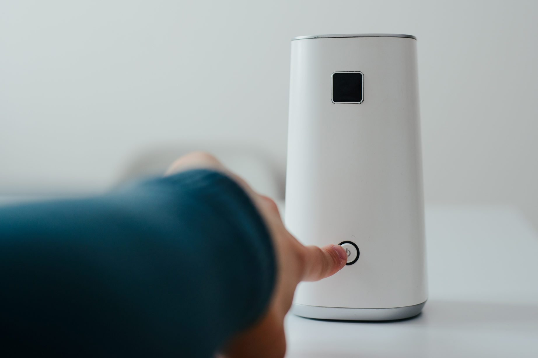 Do Personal Air Purifiers Work? What to Know Before You Buy