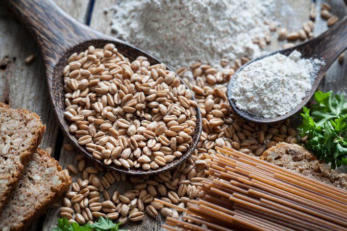 Raw spelt grain and flour, pasta, bread